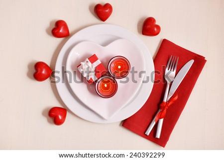 lập bảng Festive cho ngày Valentine trên nền ánh sáng