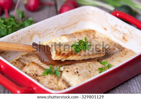 Fish fillet in cream sauce