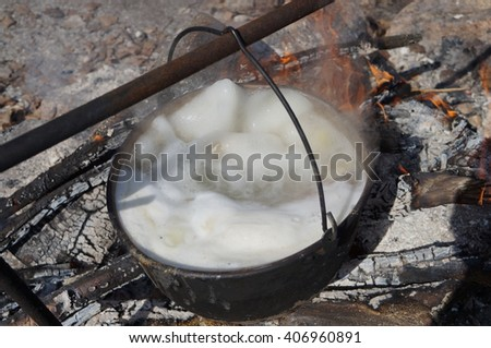 fish soup on the fire