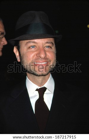 Fisher Stevens at premiere of PINERO, NY 12/10/2001