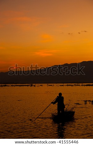 Fishing in Payao lake, north of Thailand