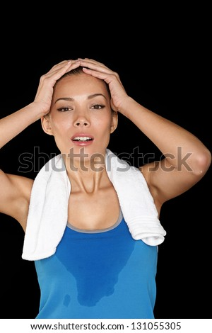 Photo fitness woman sweating beautiful sport girl with towel and sweat