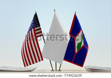 Flags of USA and Sint Eustatius with a white flag in the middle