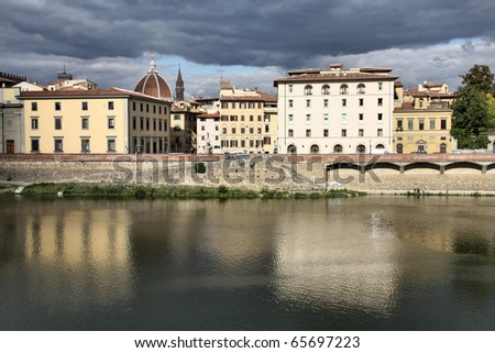 Florence Arno river city view