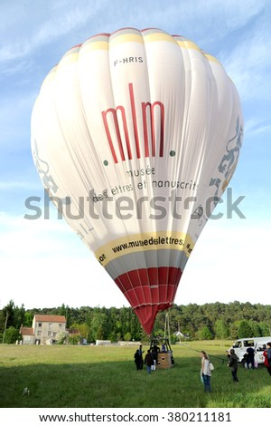 FONTAINEBLEAU , FRANCE , MAY 2014: balloon flight above the forest of Fontainebleau