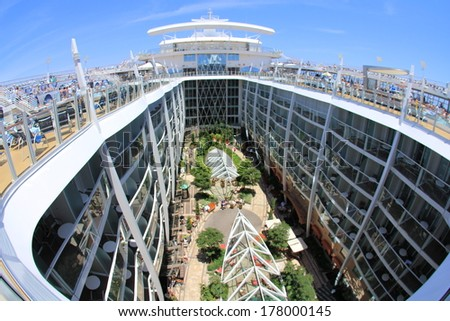 FORT LAUDERDALE, USA,� MAY 11: Royal Caribbean, Oasis of the Seas sailing from Fort Lauderdale, USA on May 11 2011. The second largest passenger ship constructed behind sister ship Allure of the Seas. - stock photo