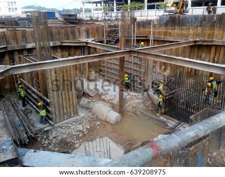 Pile foundation stock images royalty free images for Piling for house foundations