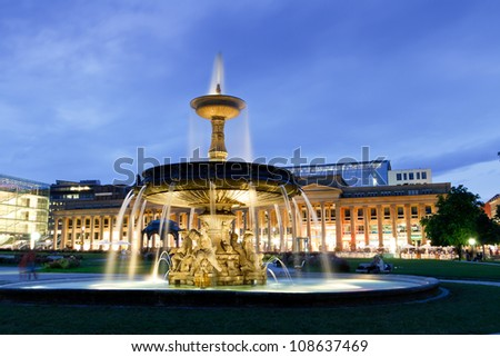 """Fountain at """"neues Schloss"""" (new palace) in Stuttgart city center, Germany at night - stock photo"""