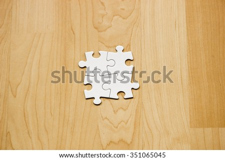 how to put a puzzle ring together
