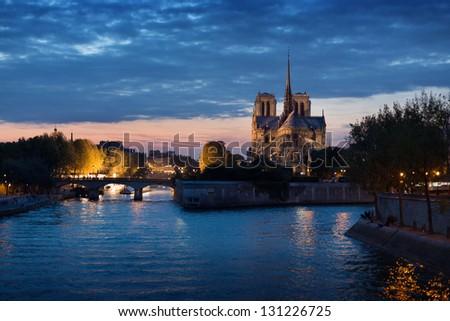 France, Ile-de-France, Seine, Ville de Paris, Paris, Notre Dame de Paris at night - stock photo