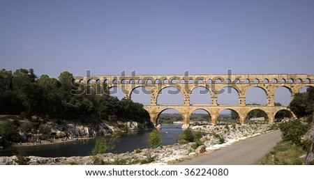 France, Pont du Gard:  Roman aqueduct in southern France near Nimes.