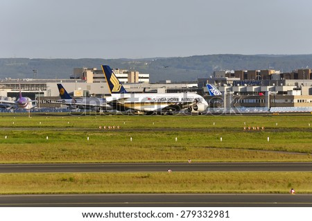 FRANKFURT,GERMANY-MAY 13:airplane of Singapore Airlines in Frankfurt airport on May 13,2015 in Frankfurt,Germany.
