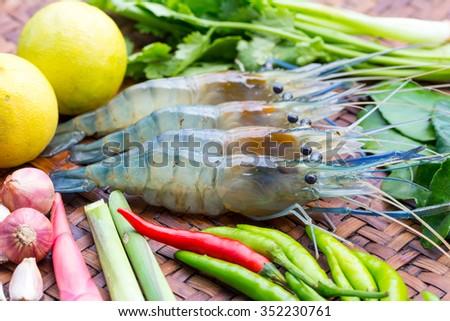 Fresh shrimp and fresh ingredients for tom yum gung - stock photo