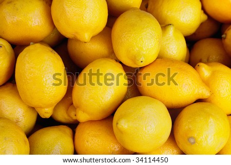 Fresh, yellow lemons