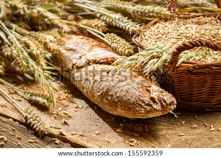 Freshly baked bakery products with cereal grains