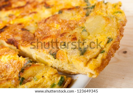 Frittata with potatoes, Parmesan and parsley