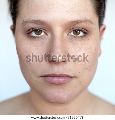 Frontal natural portrait of a woman