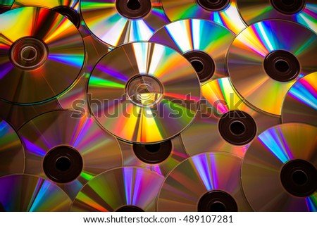 Full size picture of CDS and its beautiful colors appearing through the light falling on it