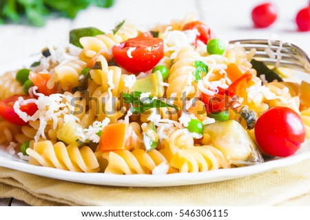 Fusilli pasta with vegetable sauce