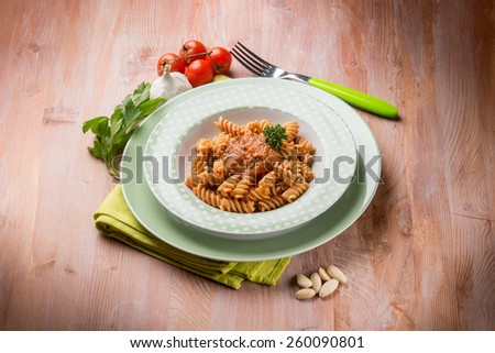 fusilli with almond and tomatoes pesto sauce