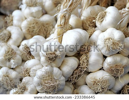 Garlic on market stand