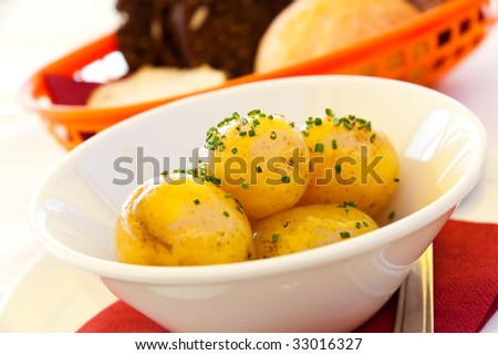 garnish,boiled potatoes
