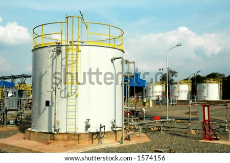 Gas tanks storage