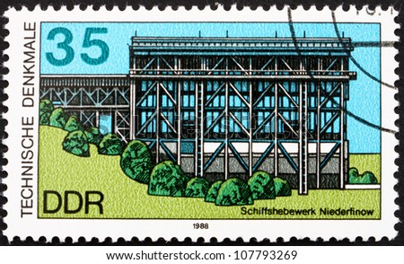 GDR - CIRCA 1988: a stamp printed in GDR shows Ship Lift, Niederfinow, circa 1988