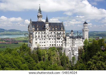 Germanies best known castle, built by King Ludwig II of Bavaria Beautiful pasture and mountains in Germany