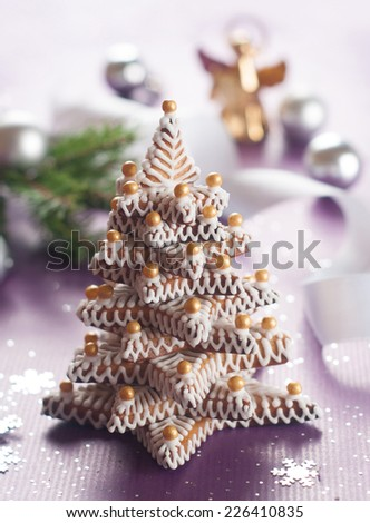 Gingerbread Christmas tree, selective focus
