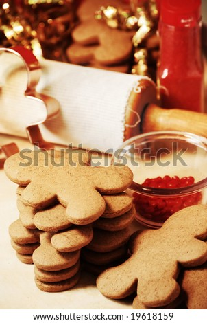 gingerbread cookies on red and brown