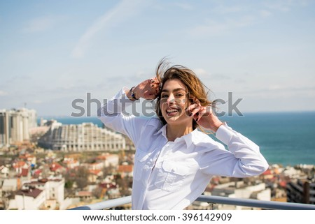 girl at the roof