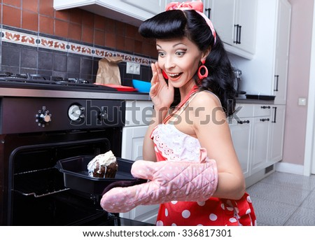 Girl bakes cakes - stock photo