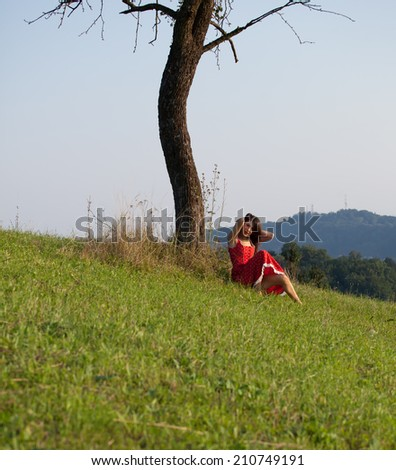 girl near the tree