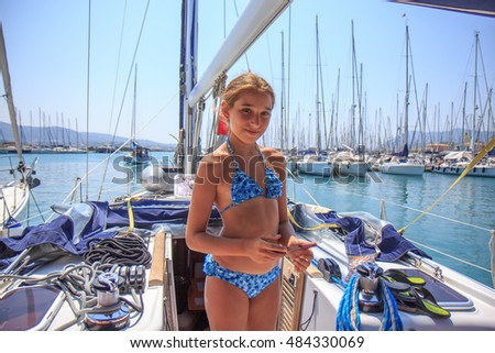 Girl on the saiboat