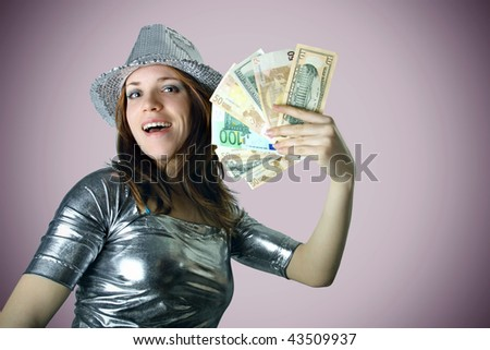Girl with silver hat holding money with gradient background