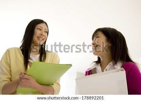 girls to laugh each other