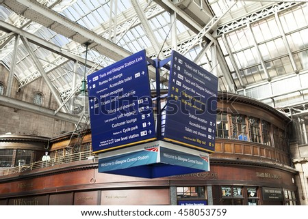 GLASGOW, SCOTLAND, UK - JUNE 27, 2016:  image of meeting point in Glasgow Central Station.
