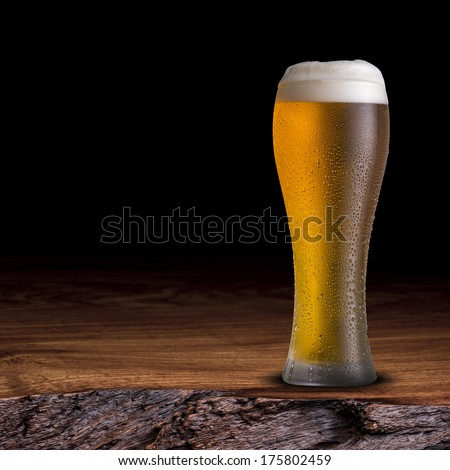 glass beer on wood - photo #14