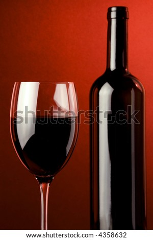 glass red wine bottle