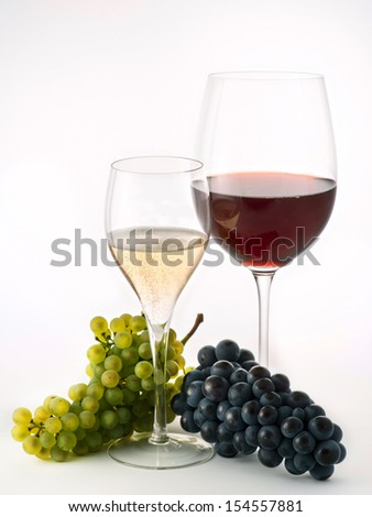 glasses of wine with grapes