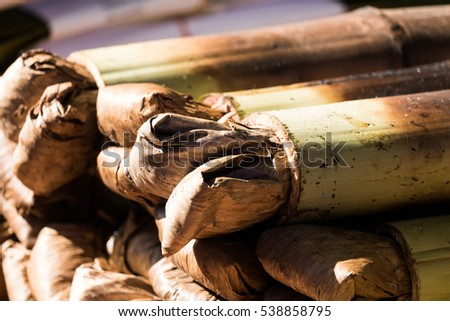 glutinous rice roasted in bamboo joints with sunlight