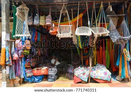 goa india   november 20 2017  a shop selling wicker hammocks for relaxing arambol banque d u0027images d u0027images et d u0027images vectorielles libres      rh   shutterstock