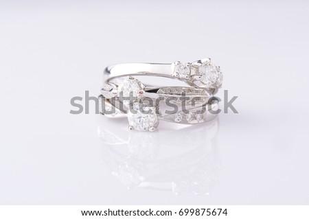 Gold and silver diamond rings jewelry diamons anillos