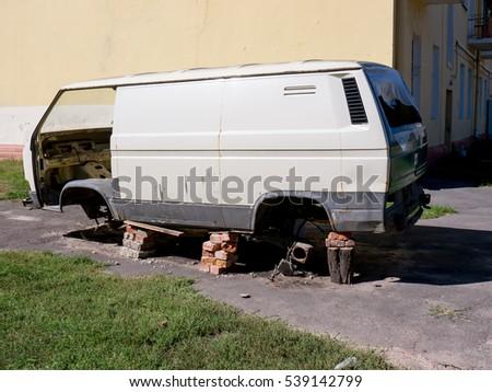Rusty Van Stock Images Royalty Free Vectors