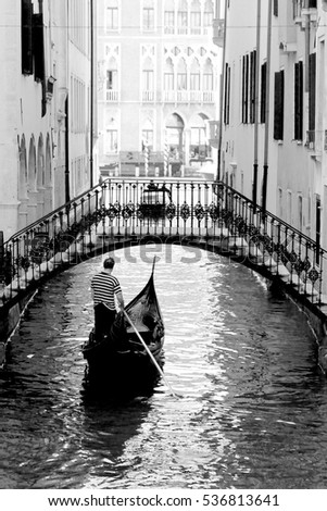 Gondola in venice black and white