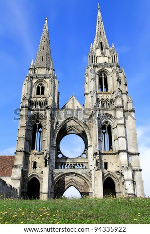 Gothic church and tower of Abbey of St-Jean-des Vignes in Soissons, France