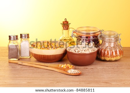 Grains in pots and spoons