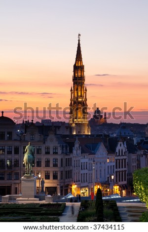 Grand Place, Hotel de Ville and cityscape at dusk