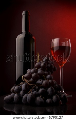 grape bottle glass red wine